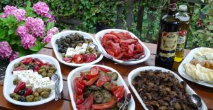 2 idées de buffet pour un déjeuner au jardin